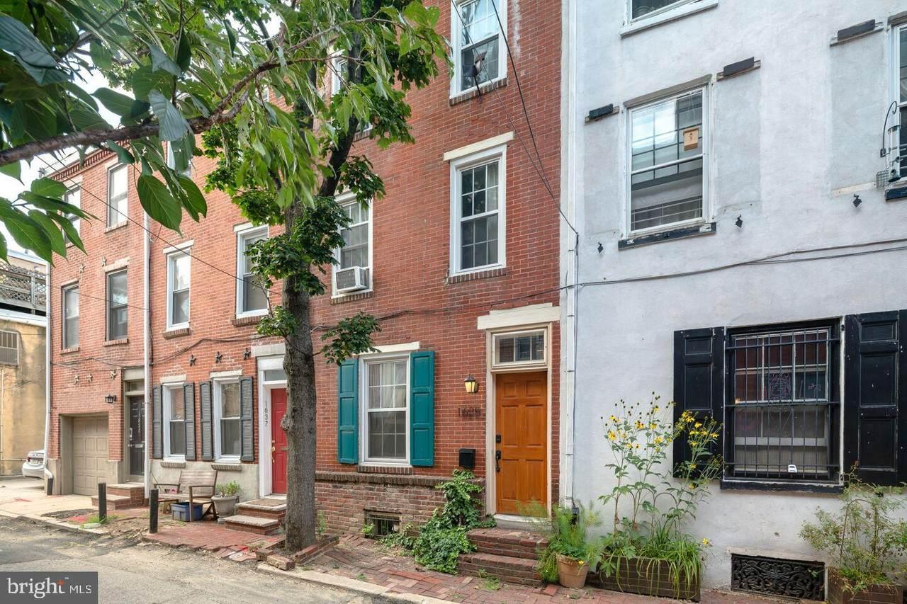 1635 Rodman Street - Photo 1