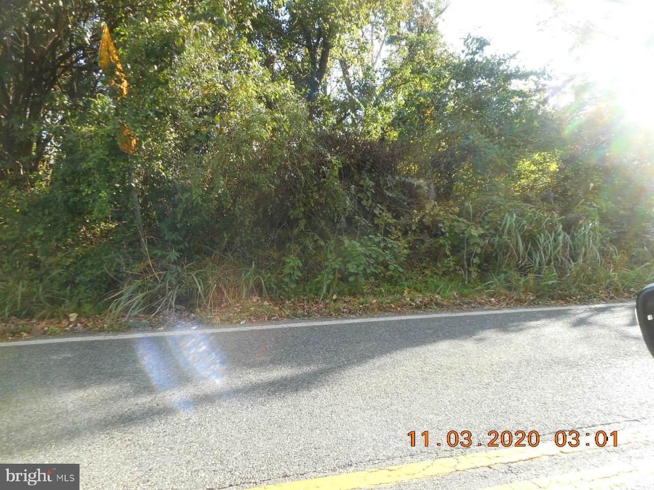 1512 Rollins Avenue - Photo 1