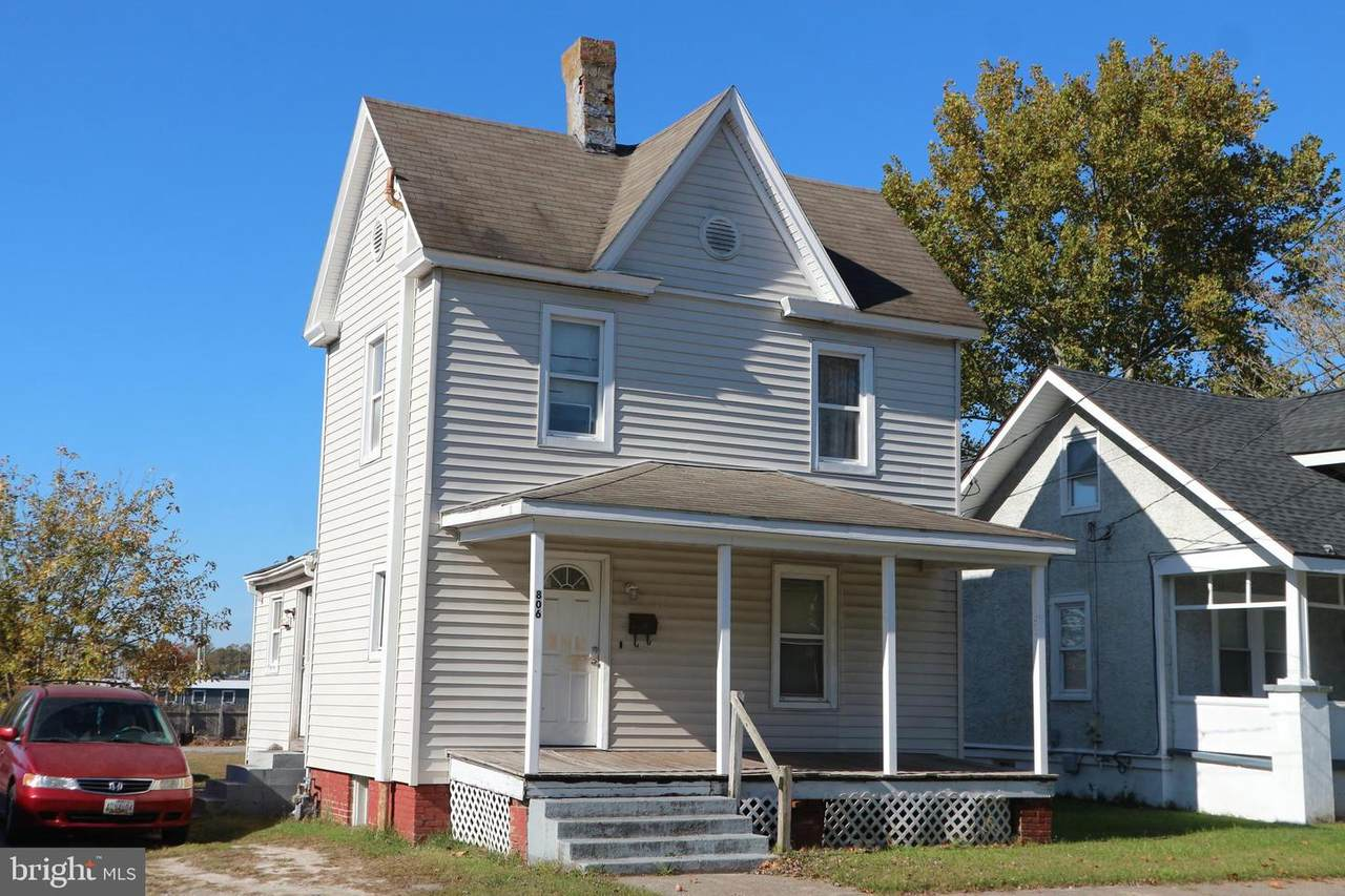 806 Division Street - Photo 1