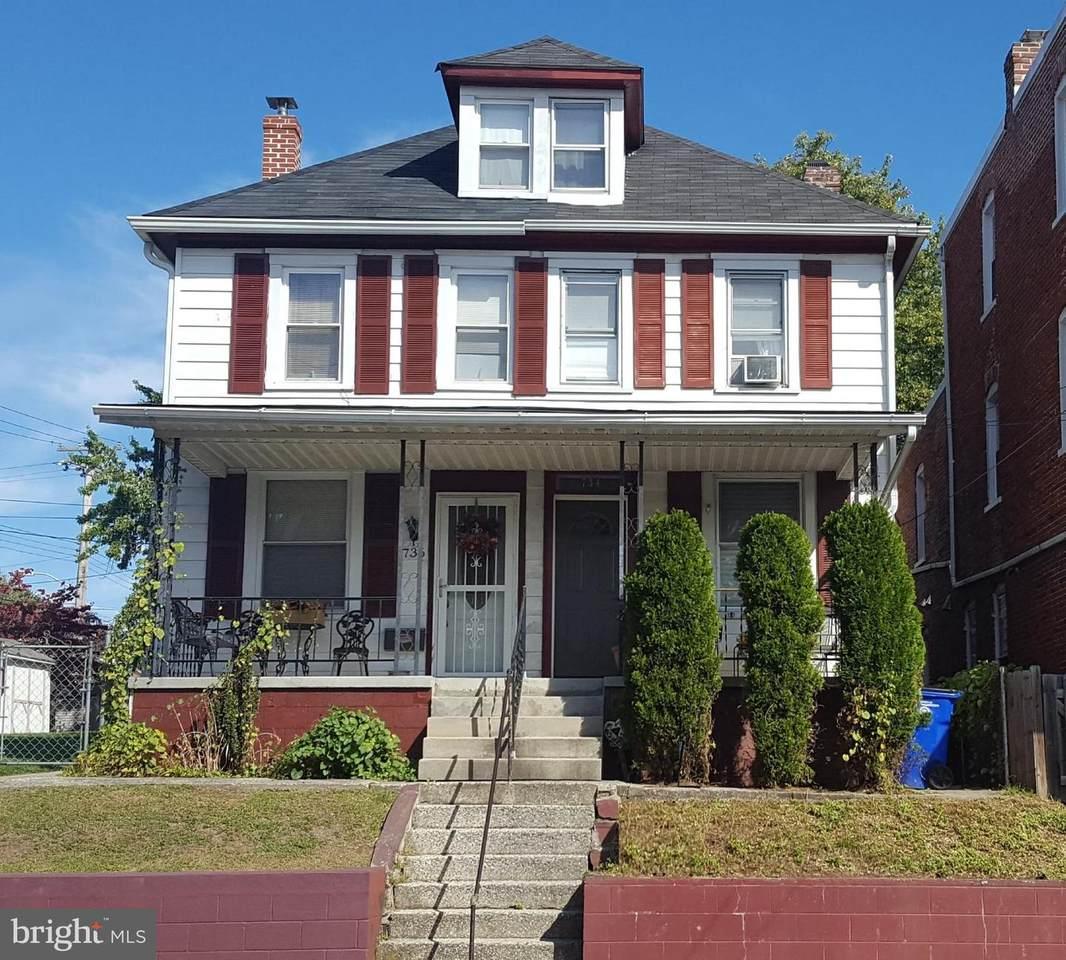 734 Salem Avenue - Photo 1