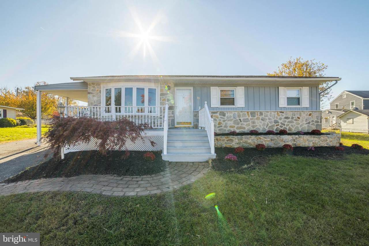 83 Castle Heights Avenue - Photo 1