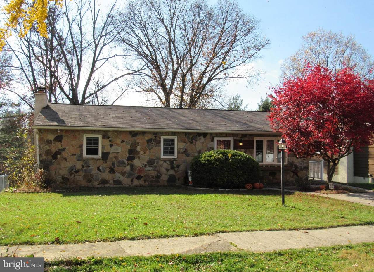 2512 Berkley Road - Photo 1