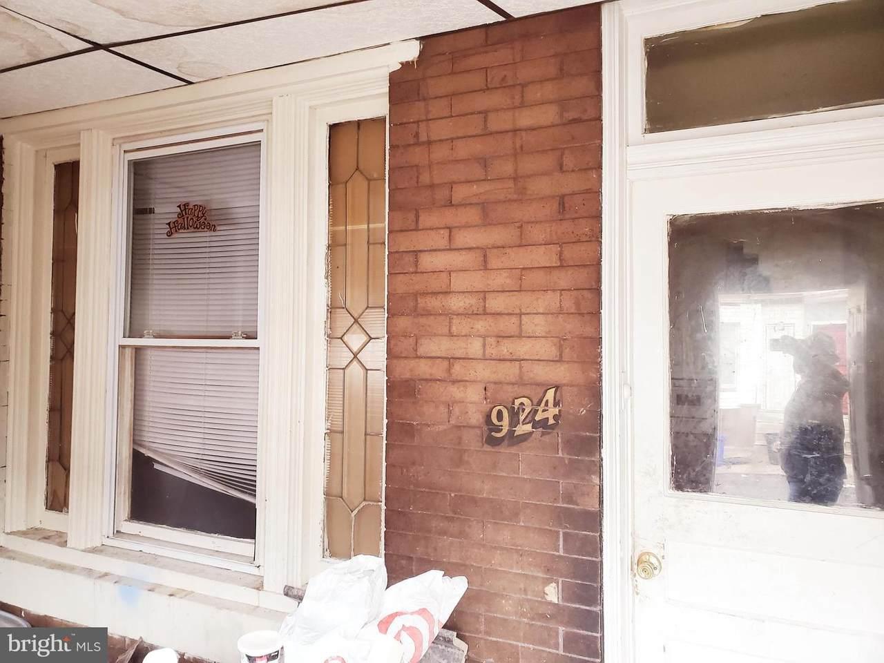 924 Schiller Street - Photo 1