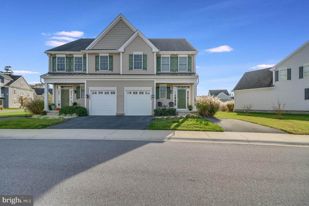 36433 Warwick Drive - Photo 1