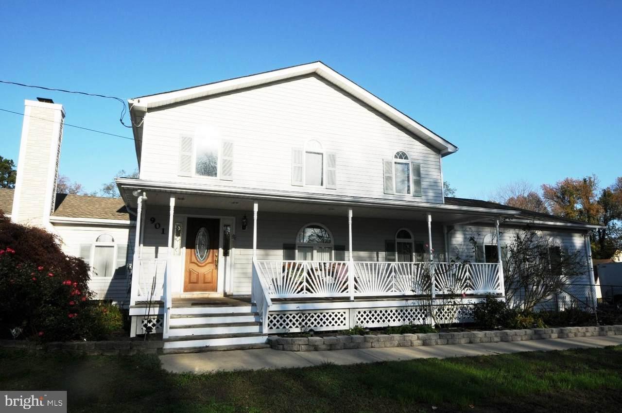 901 Selby Boulevard - Photo 1