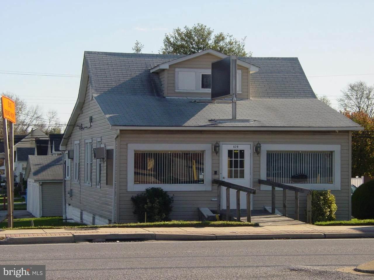 629 Eastern Boulevard - Photo 1