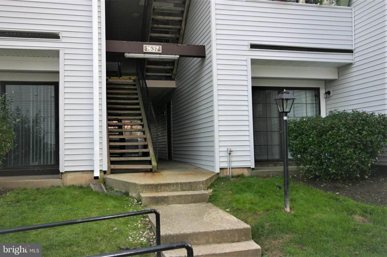 1637 Carriage House Terrace - Photo 1