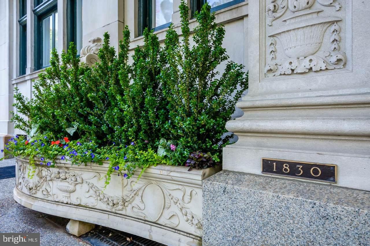 1830-34 Rittenhouse Square - Photo 1