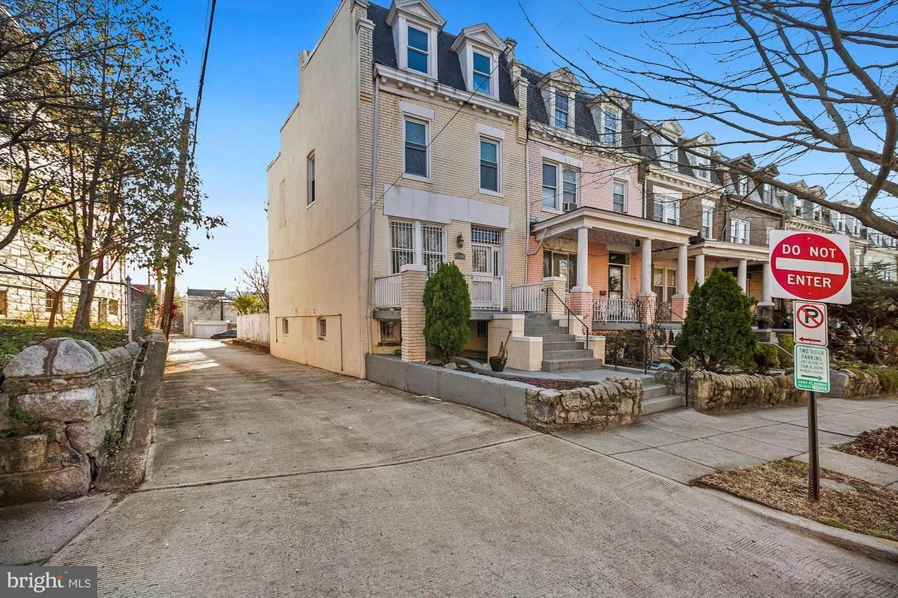 1106 Allison Street - Photo 1