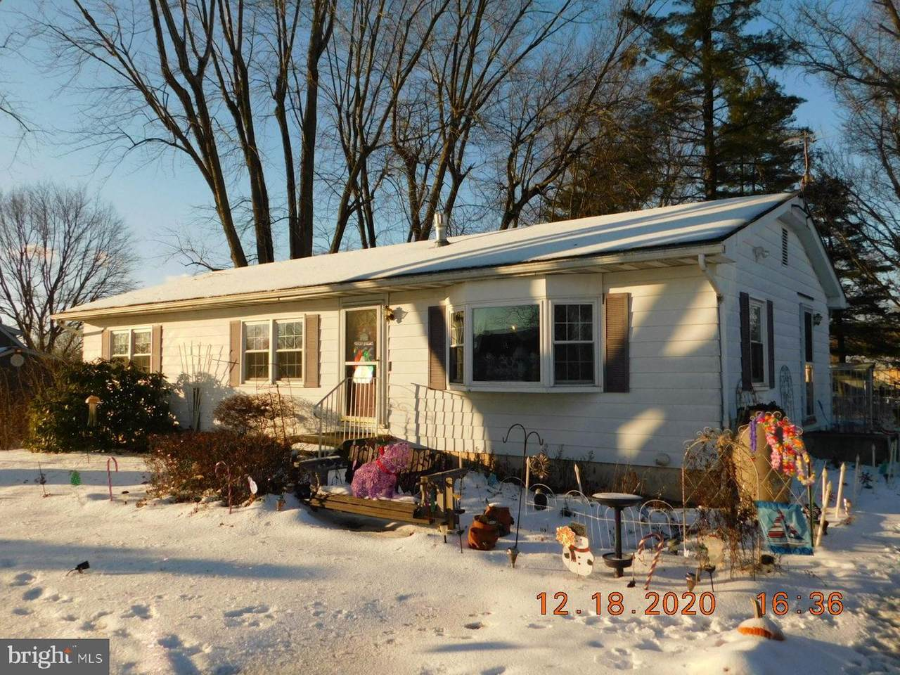 21 Clover Road - Photo 1