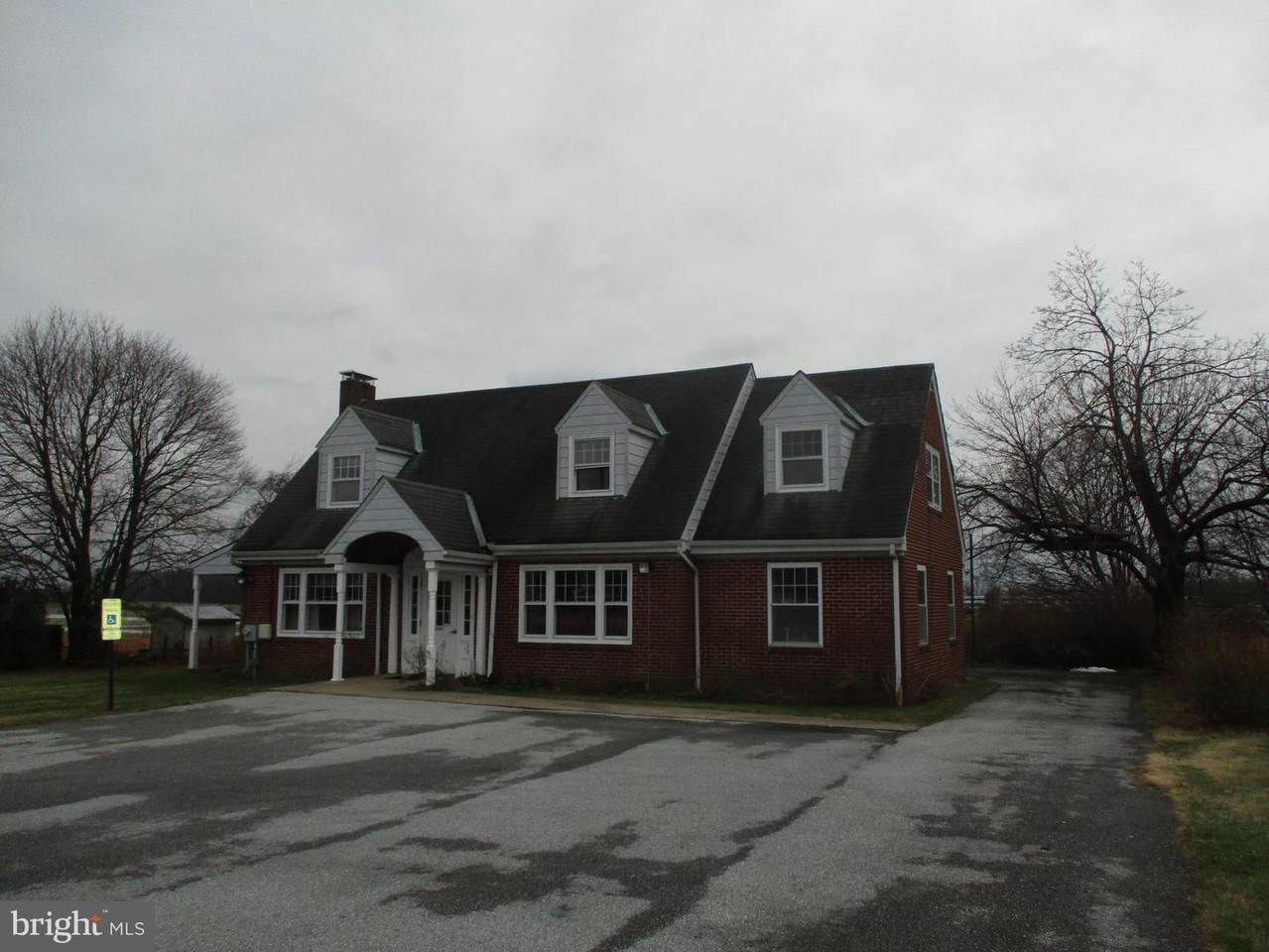 1246 Lincoln Highway - Photo 1