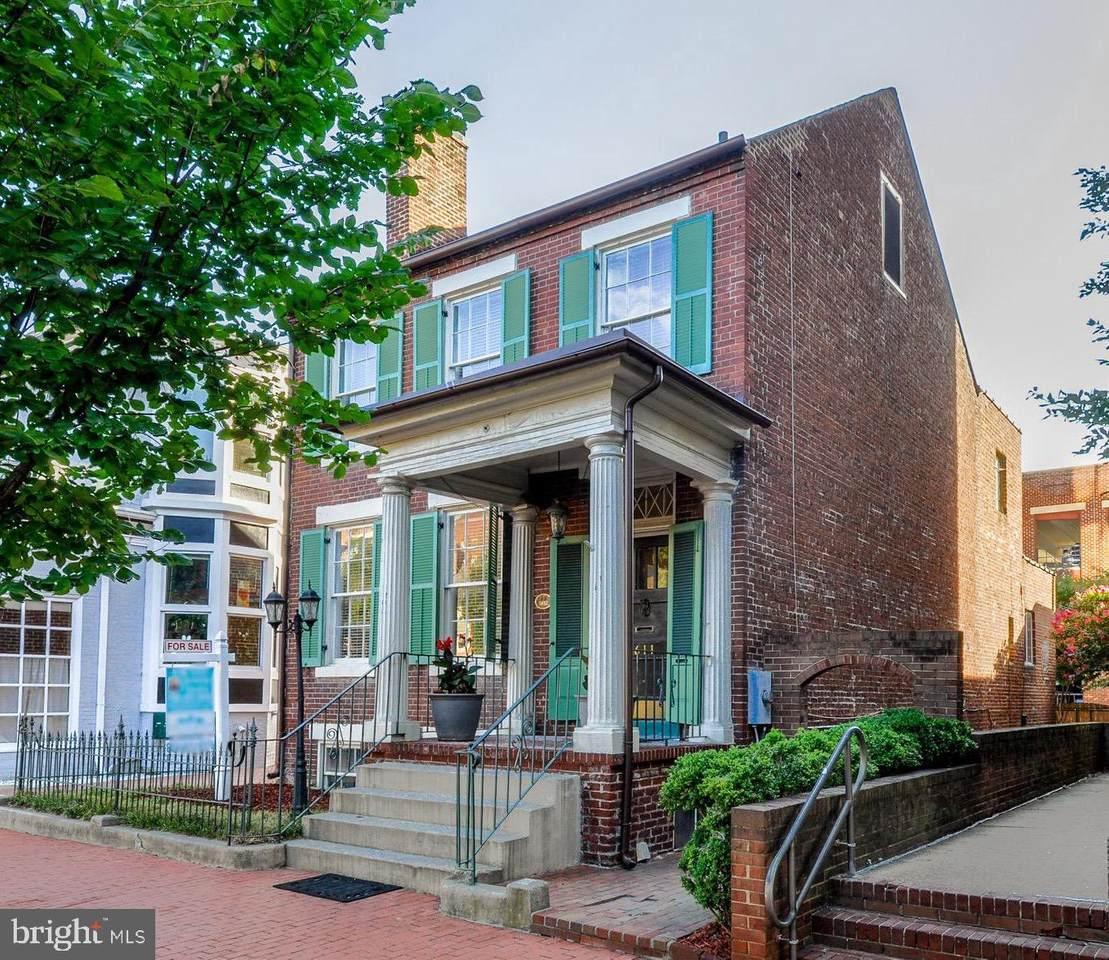 611 Caroline Street - Photo 1
