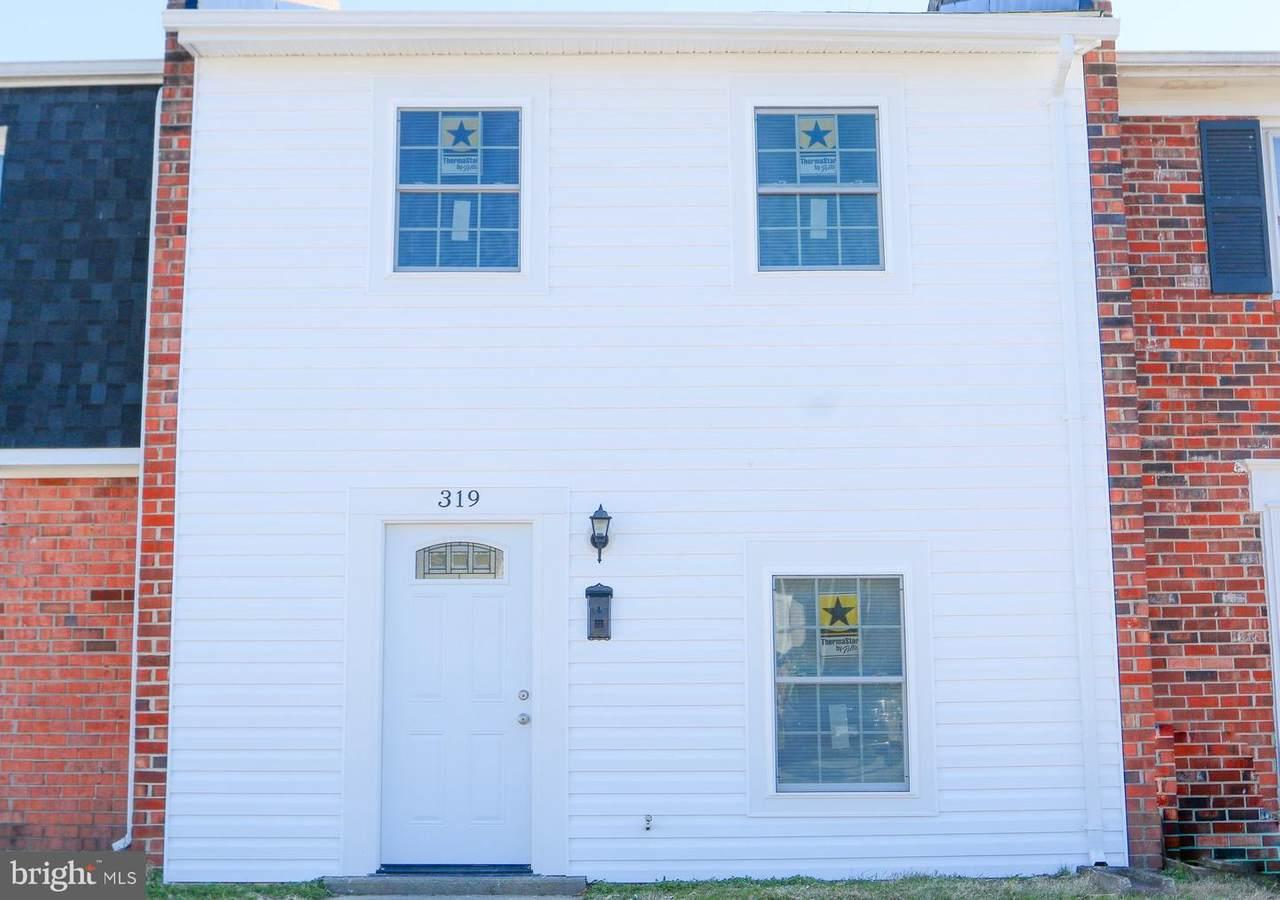 319 Brock Square - Photo 1