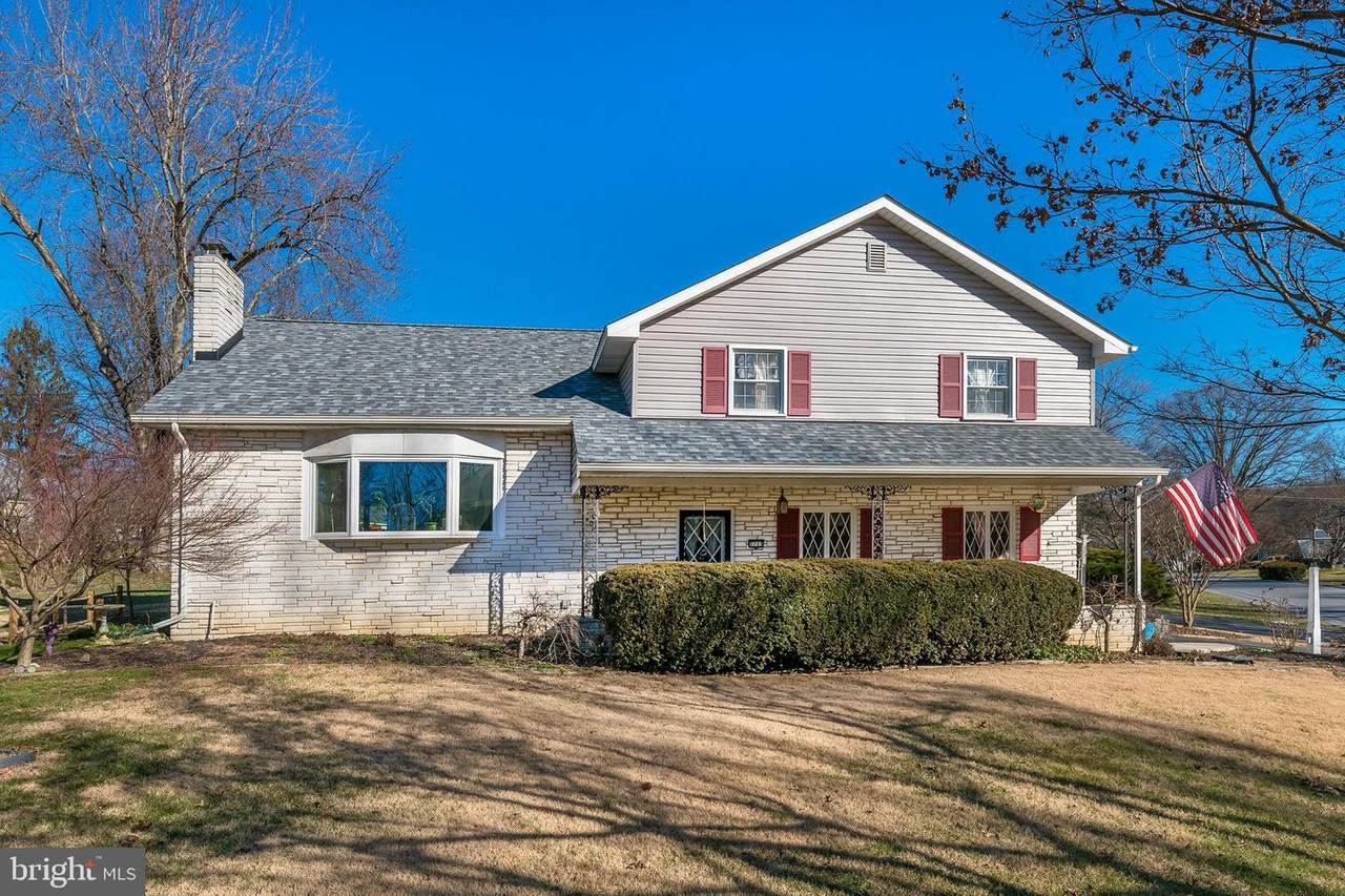 1713 Colonial Manor Drive - Photo 1