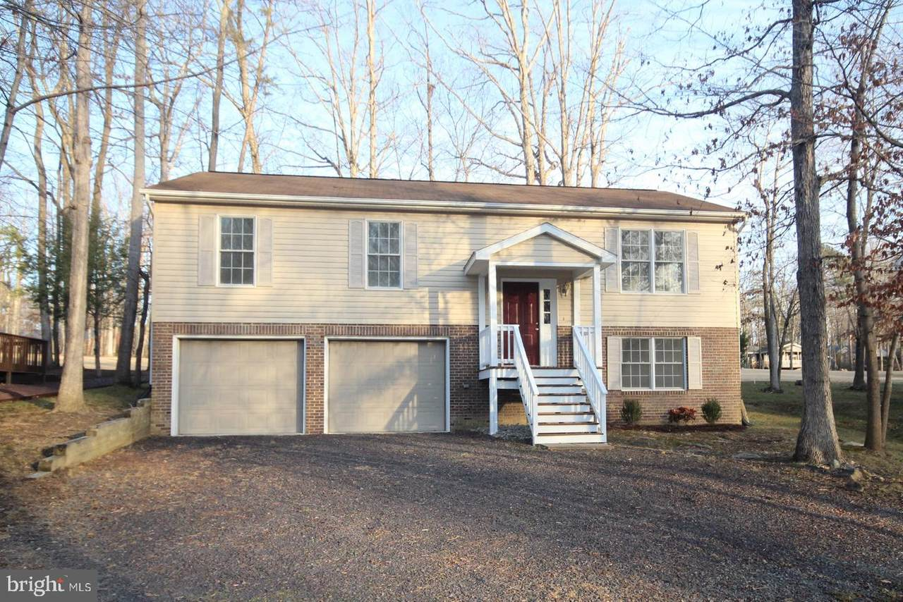 4020 Lakeview Parkway - Photo 1