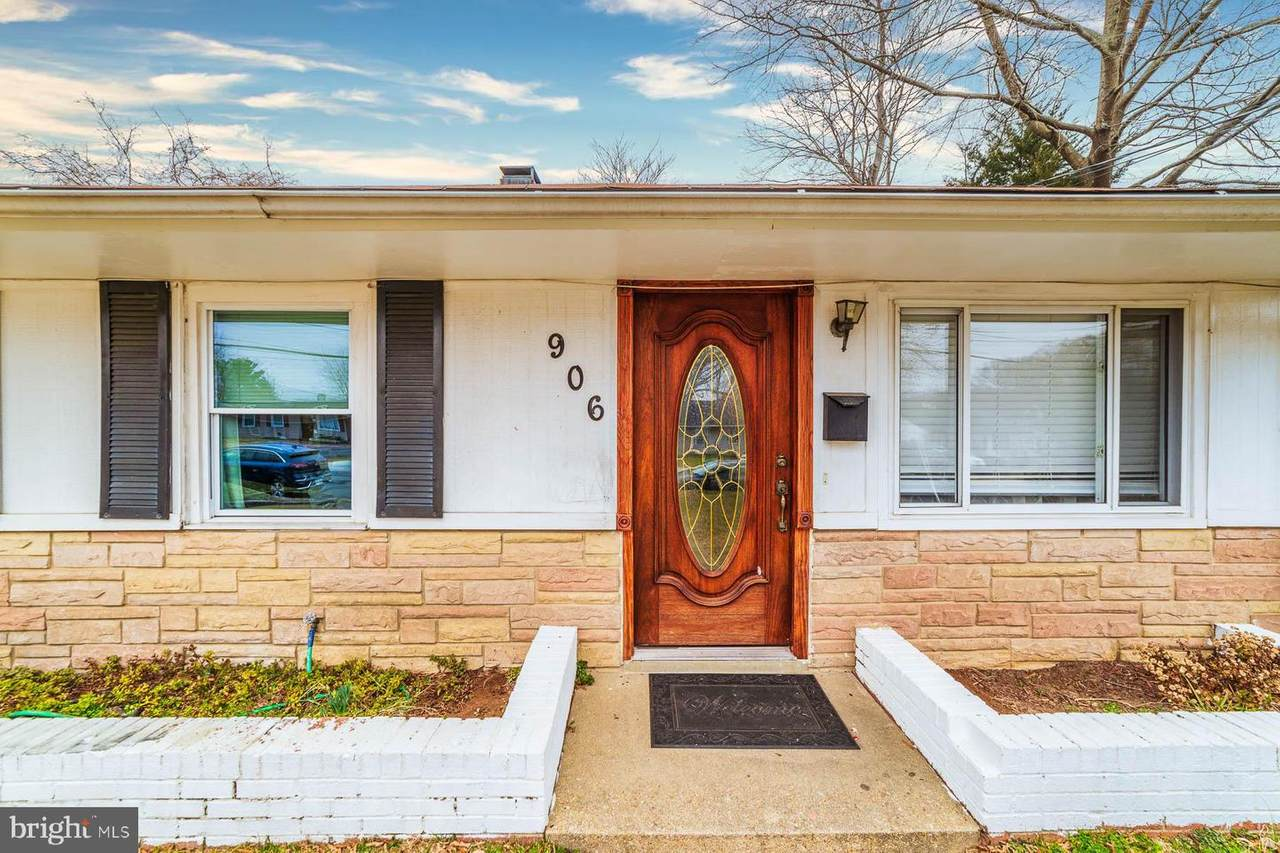 906 Shelby Drive - Photo 1