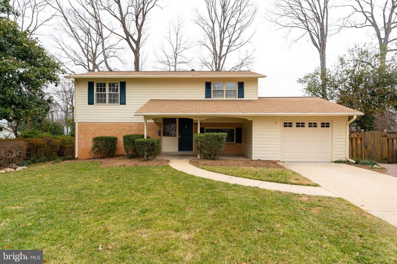 8712 Clydesdale Road - Photo 1