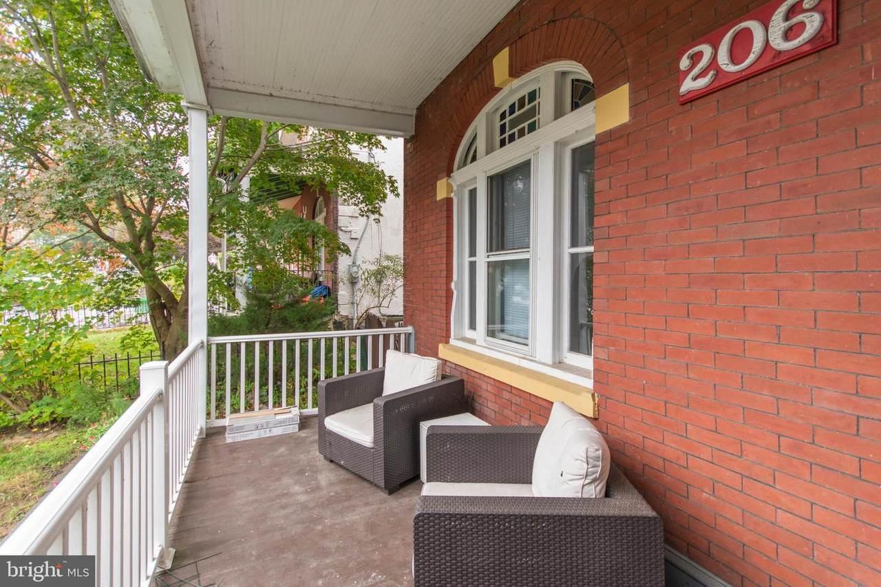 206 Rochelle Avenue - Photo 1