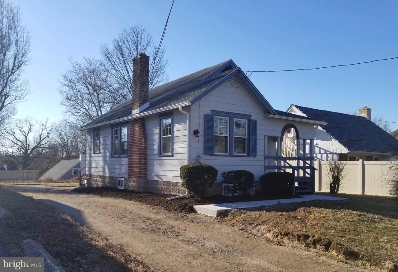 1028 Providence Road - Photo 1