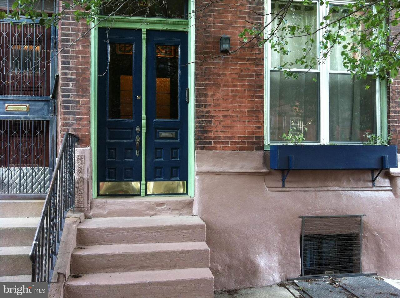 1423 9TH Street - Photo 1