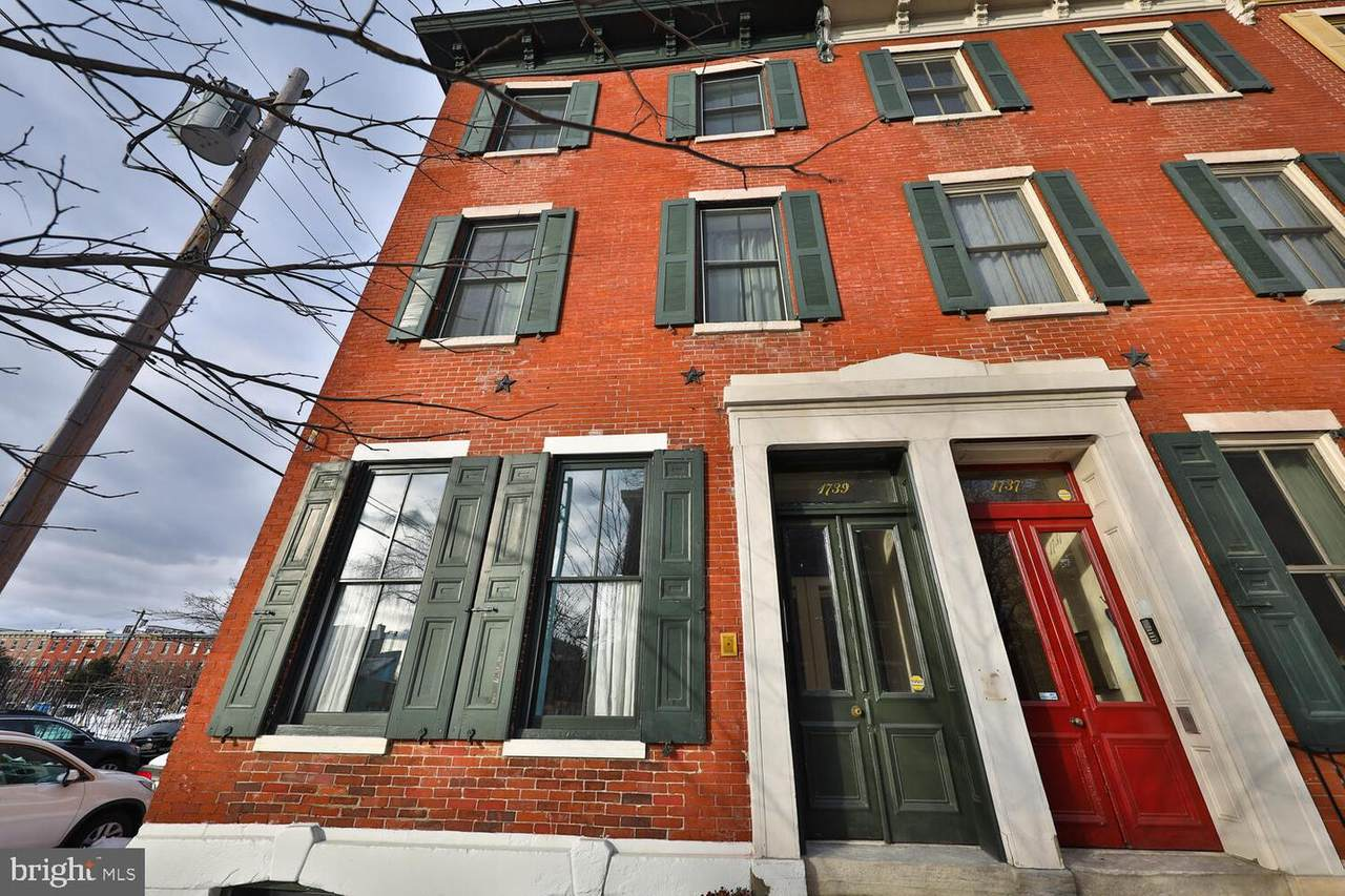 1739 Wallace Street - Photo 1