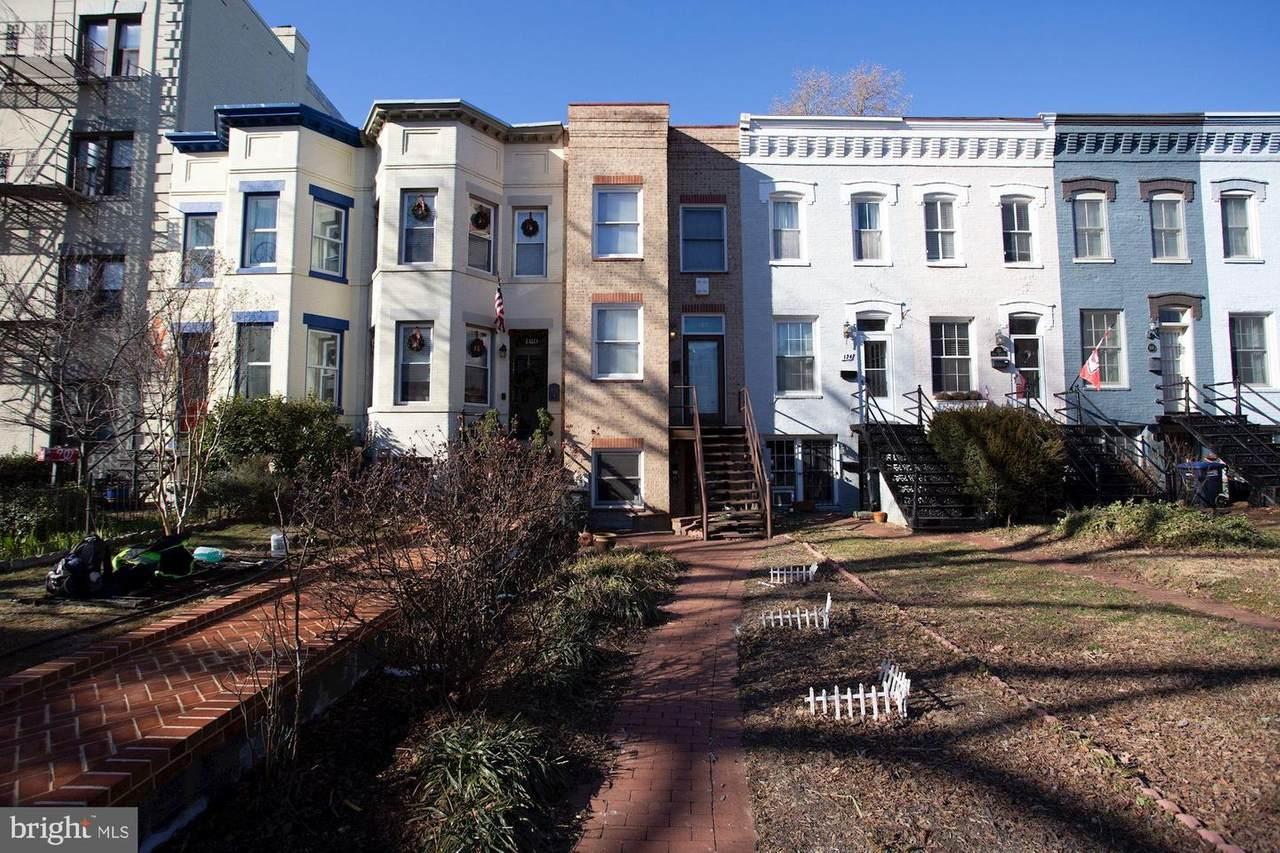 122 North Carolina Avenue - Photo 1