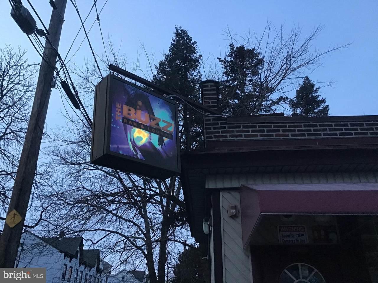 702 Pine Street - Photo 1
