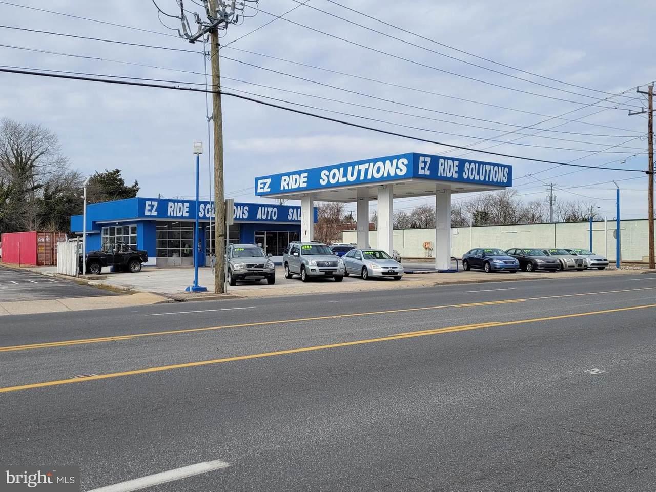 610 Salisbury Boulevard - Photo 1
