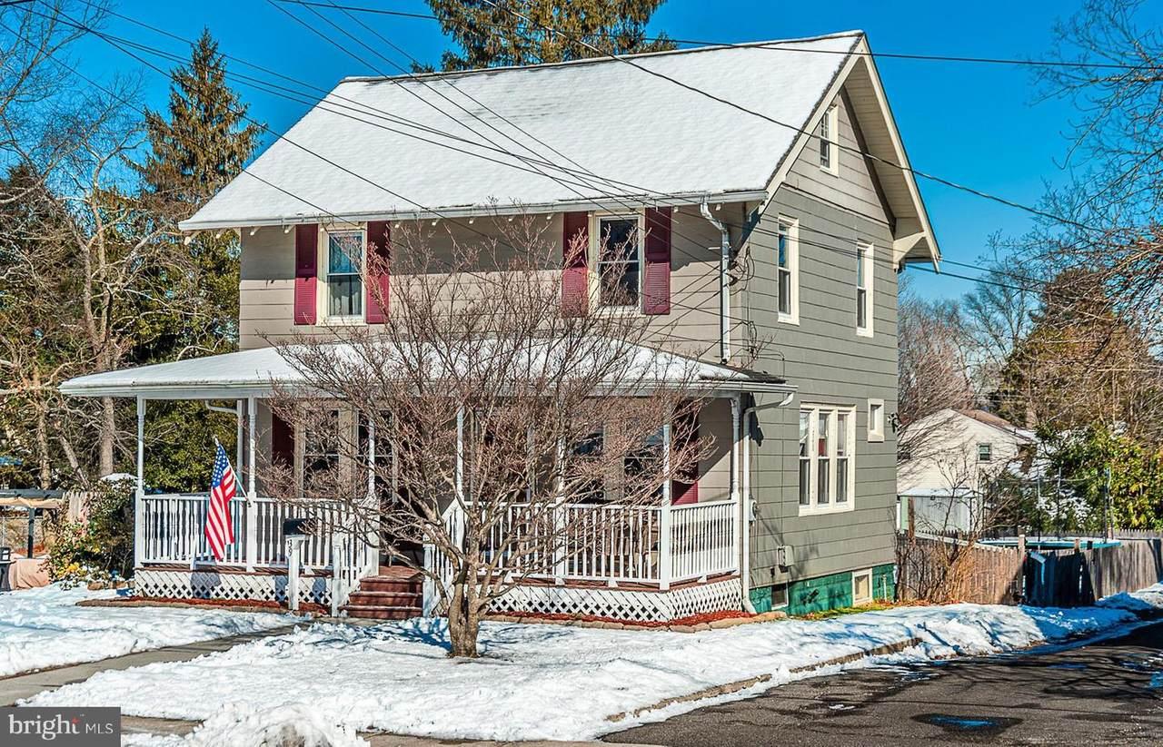 39 Fernwood Avenue - Photo 1