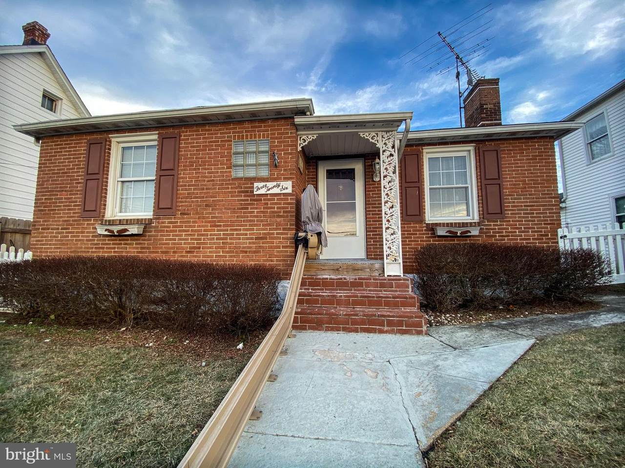 326 Vista Street - Photo 1