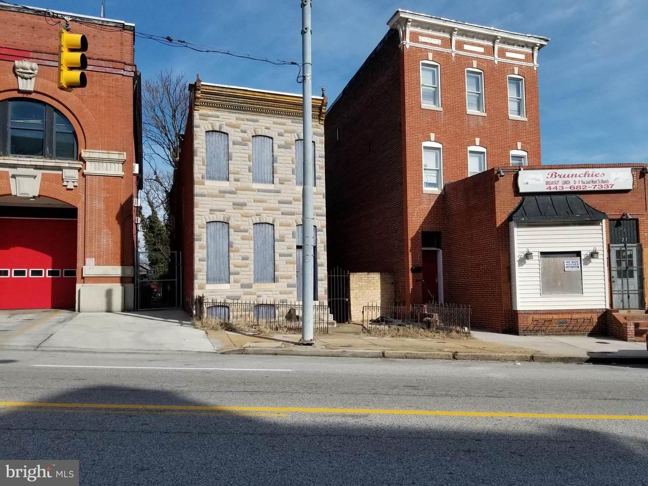 3218 Frederick Avenue - Photo 1
