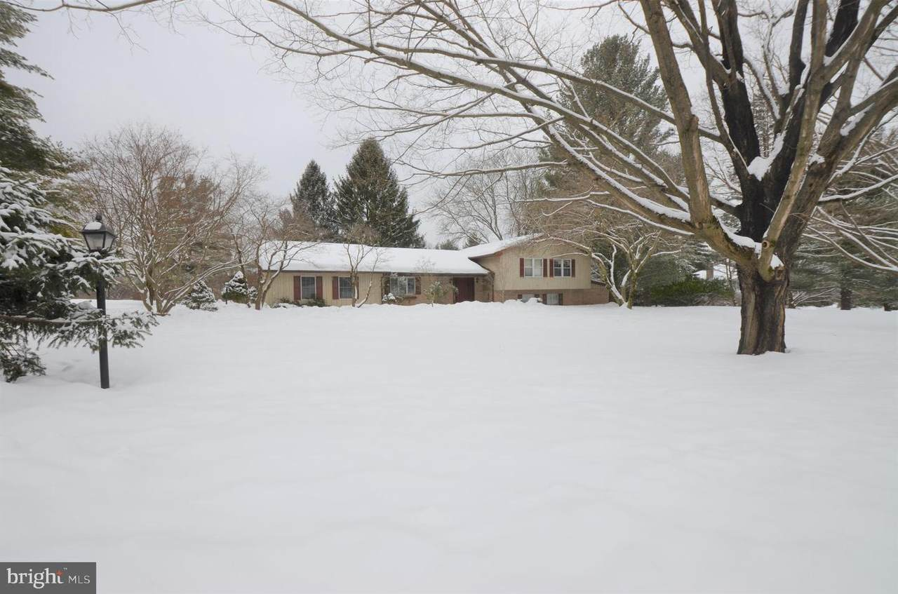 1820 Sherwood Road - Photo 1