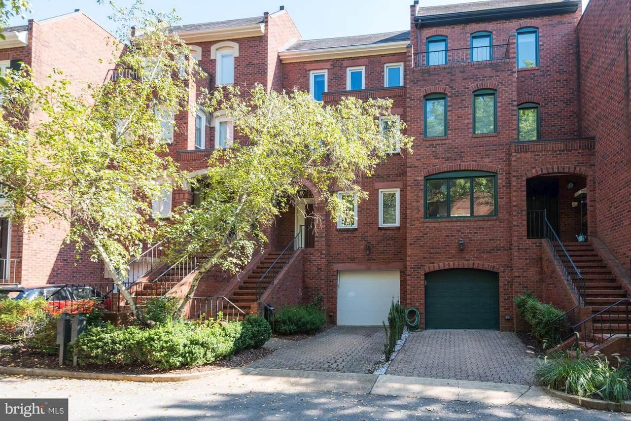 3925 Georgetown Court - Photo 1
