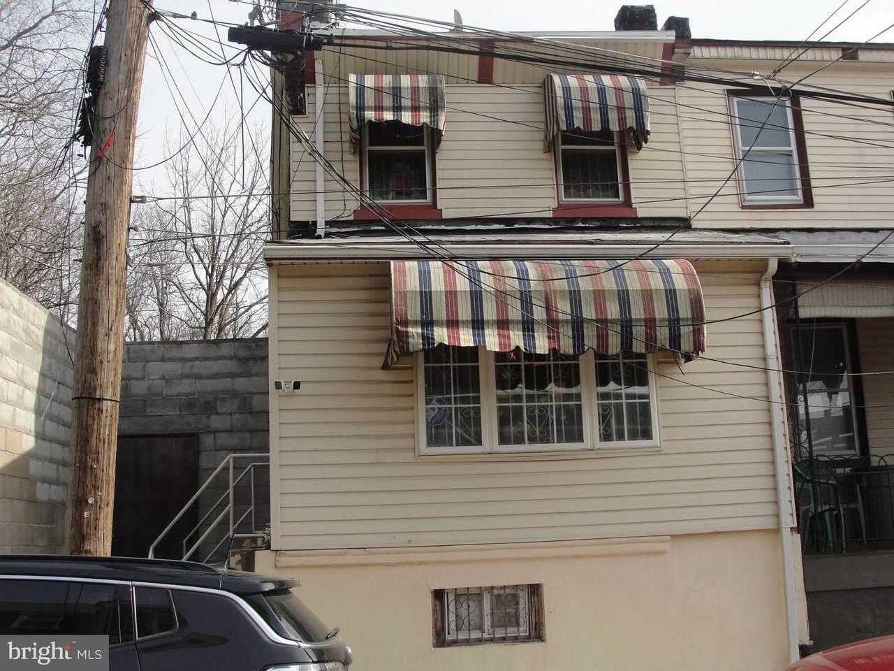 4419-4423 Elizabeth Street - Photo 1