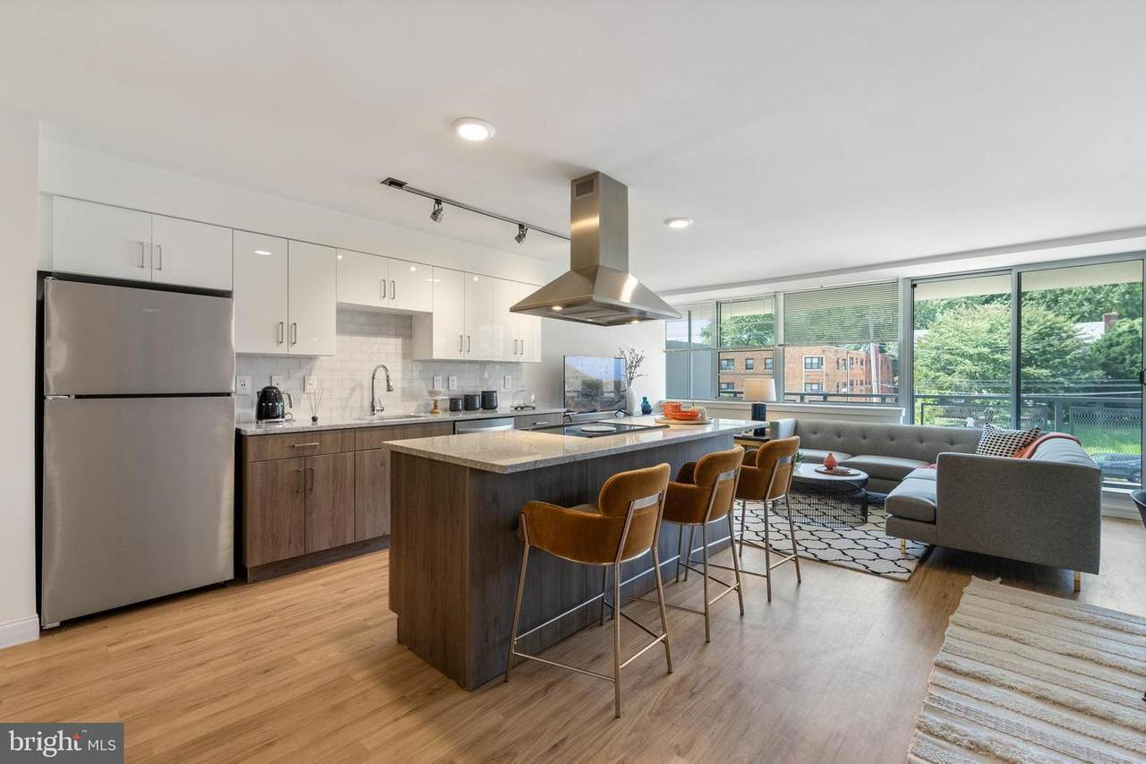 2201 Bryn Mawr Avenue - Photo 1