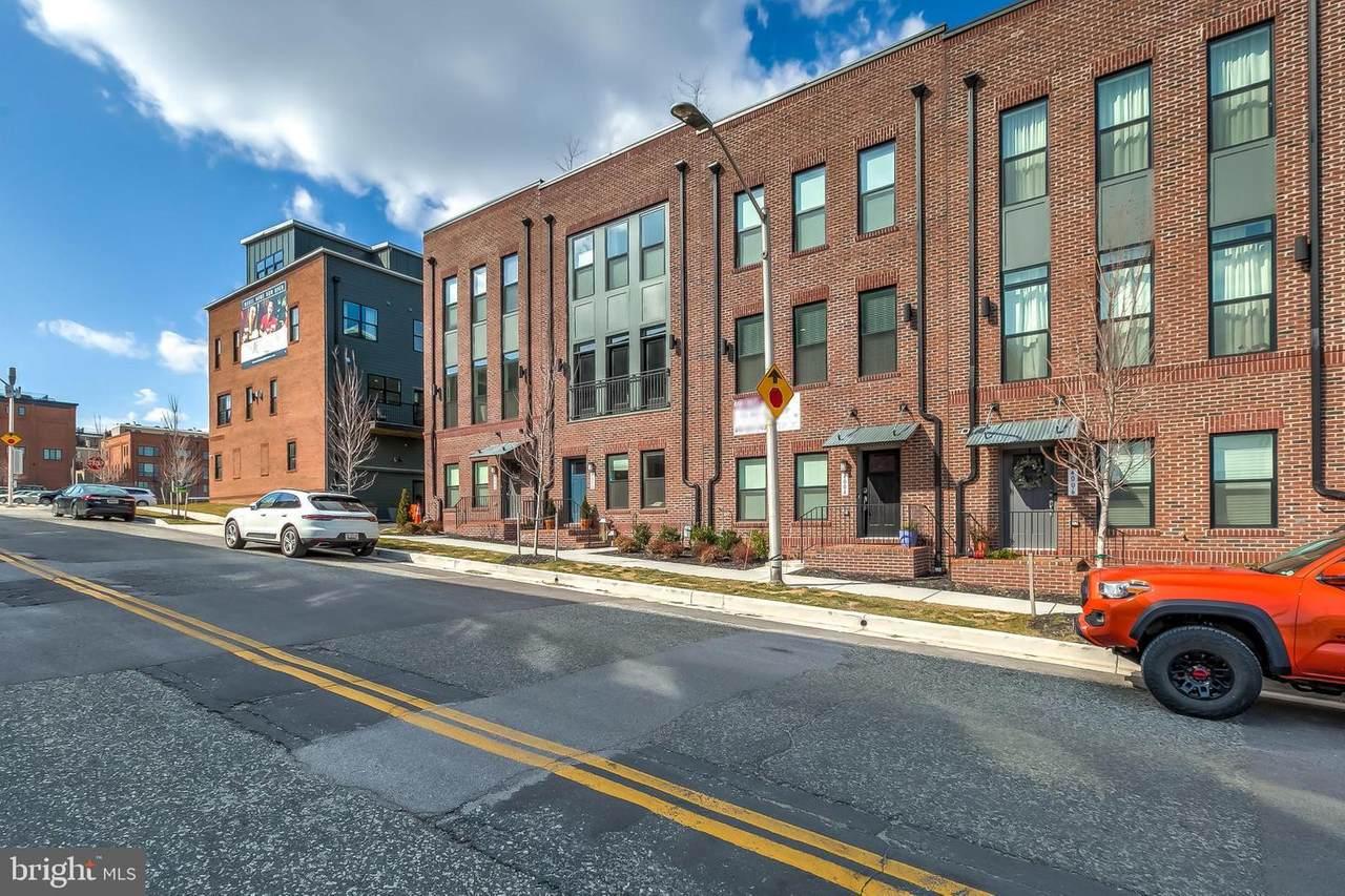 4004 Dillon Street - Photo 1