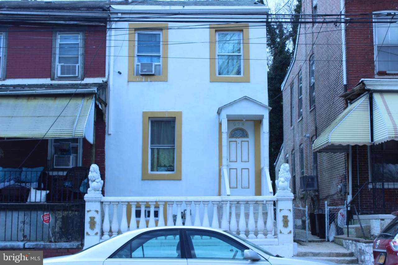 928 Potter Street - Photo 1