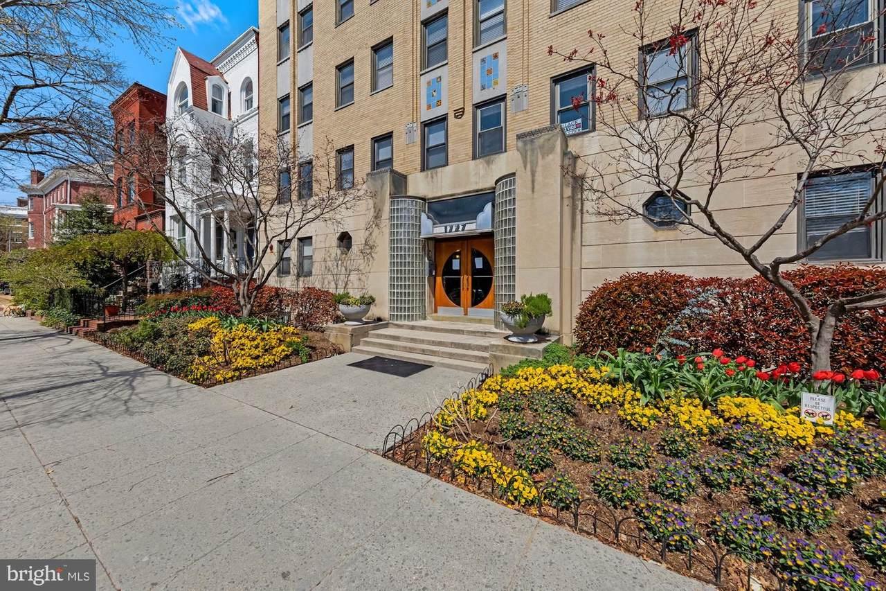1727 R Street - Photo 1