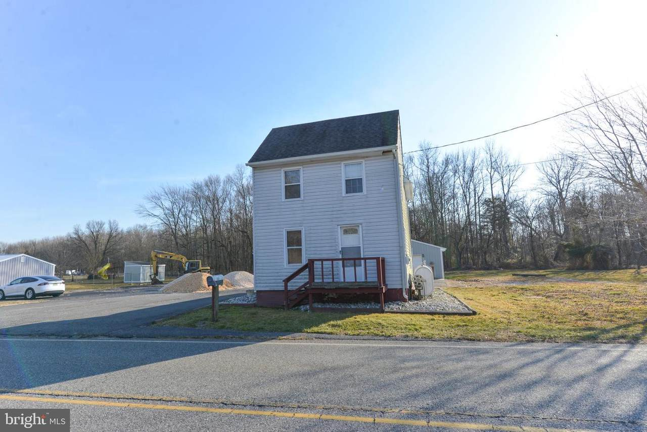 303 Quaker Neck Road - Photo 1