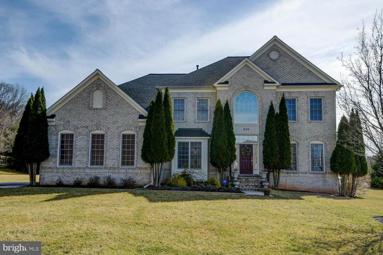 829 Stable Manor Road - Photo 1