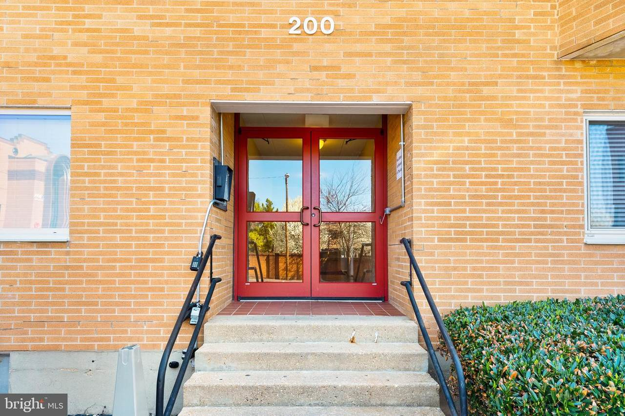 200 Locust Street - Photo 1