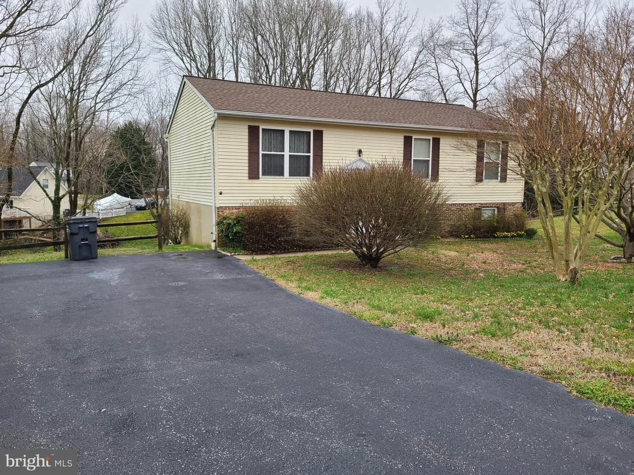 2915 Donegal Drive - Photo 1