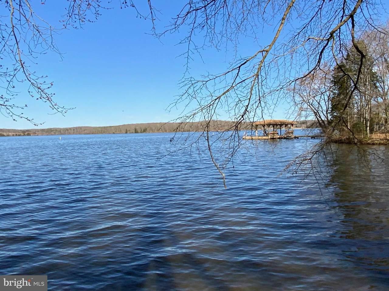 5521 Waters Edge Drive - Photo 1
