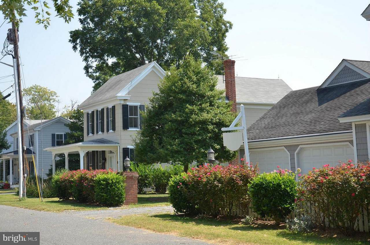 105 Pleasant Street - Photo 1