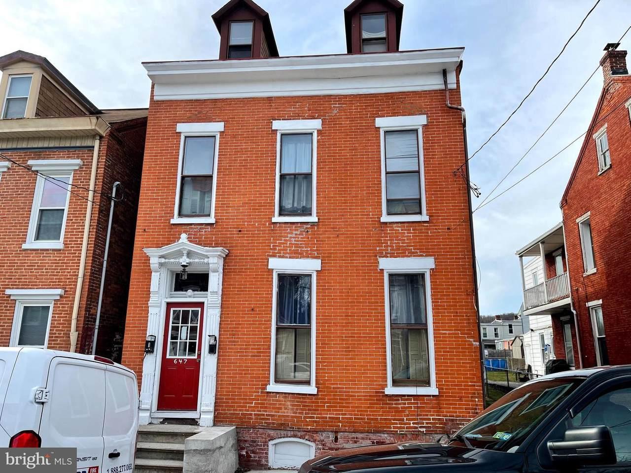 647 Walnut Street - Photo 1