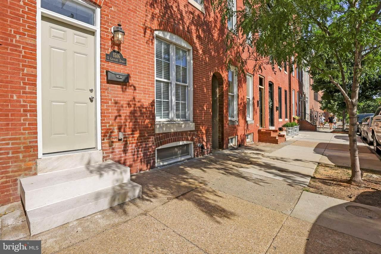 1516 Charles Street - Photo 1