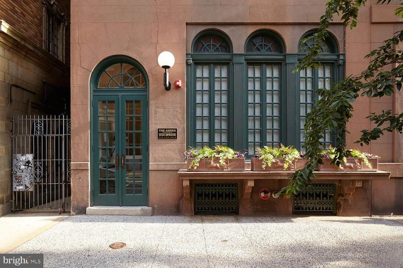 1516 Spruce Street - Photo 1