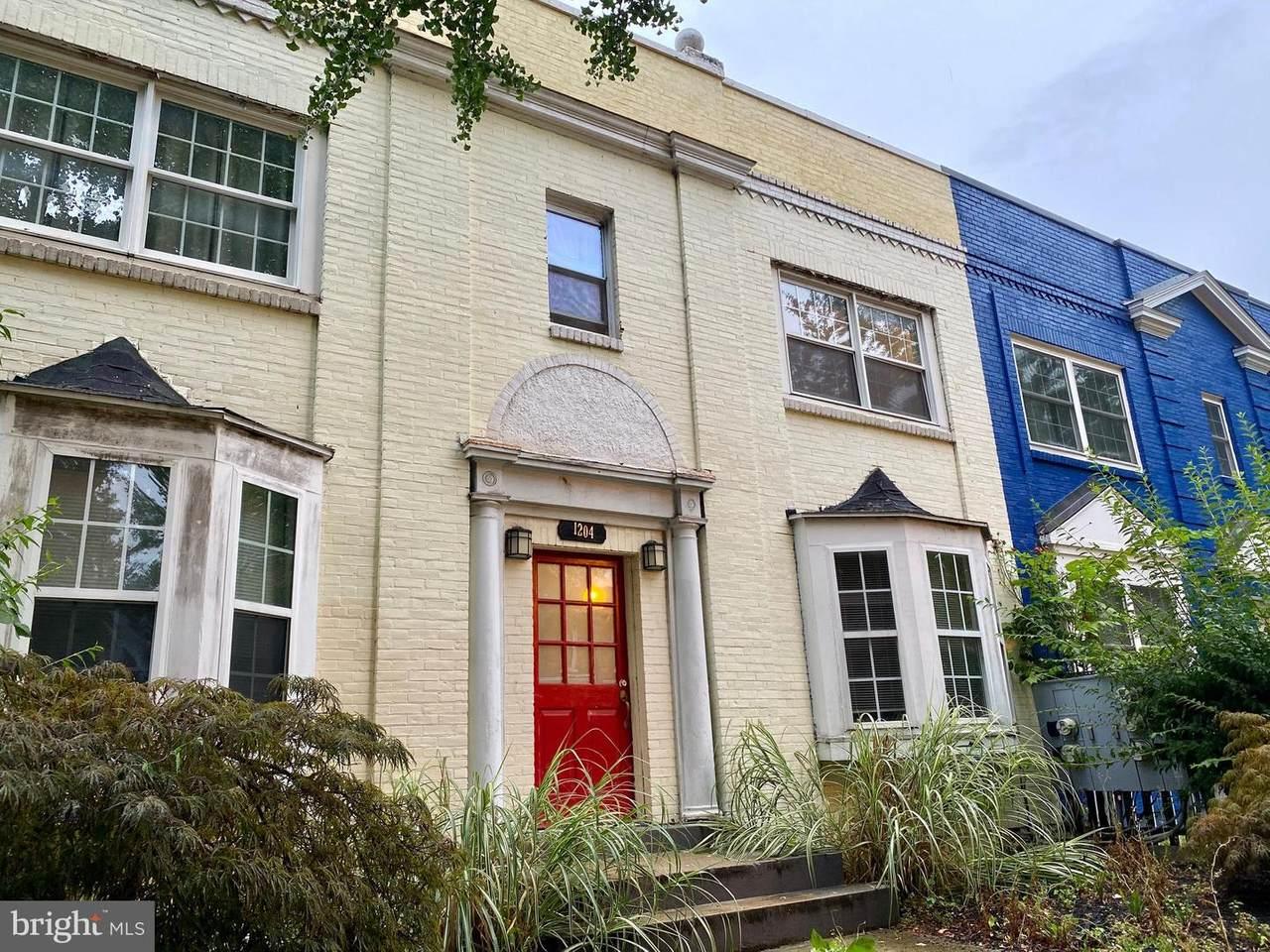 1204 Holbrook Street - Photo 1