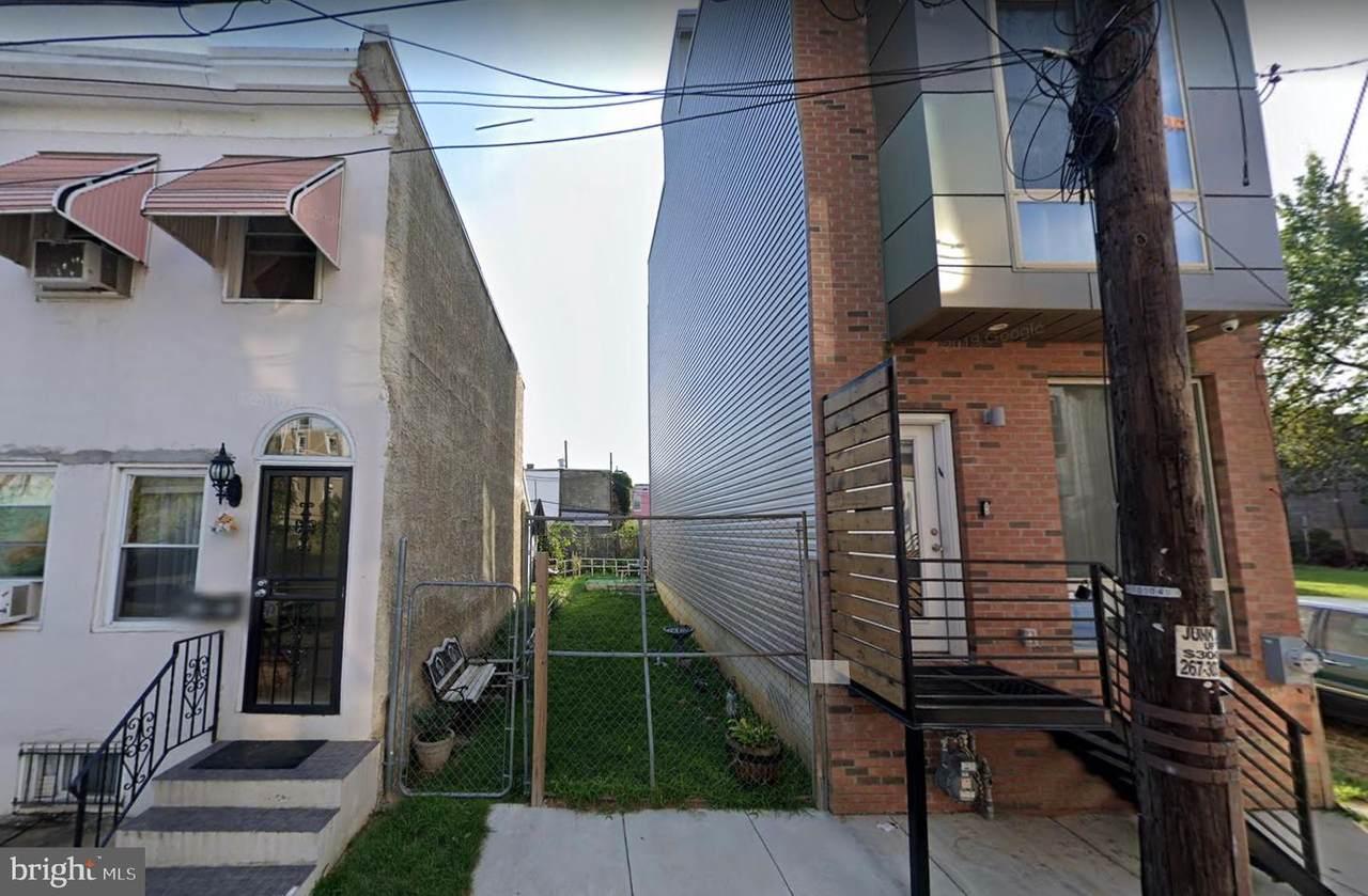 1818 Oakdale Street - Photo 1