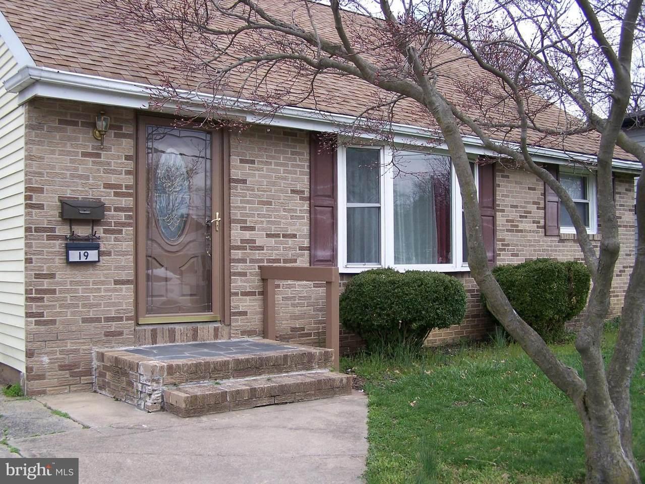 19 Birch Avenue - Photo 1